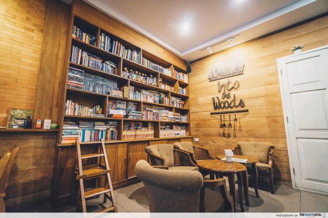 chiang mai - into the woods cafe bookshelf