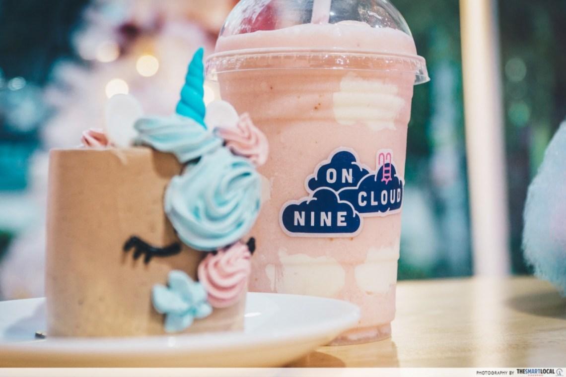 Chiang Mai On cloud nine - Hokkaido Straw-very-berry smoothie