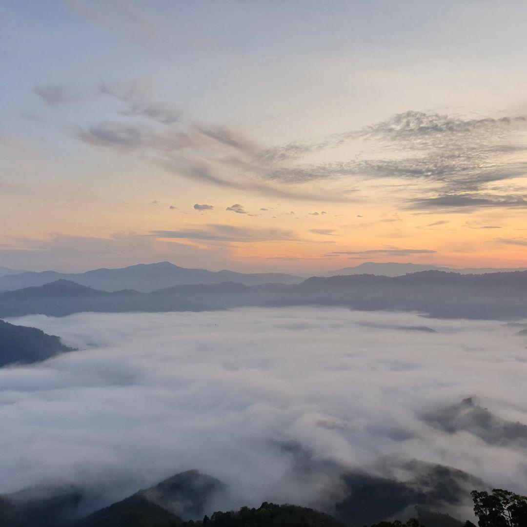 sea of mist ai yerweng tower