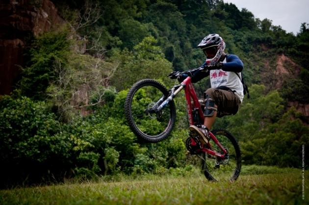 b2ap3_thumbnail_bukit-timah-mountain-bike-trail.jpg
