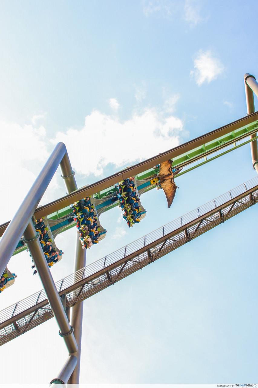 roller coaster theme park japan dinosaur