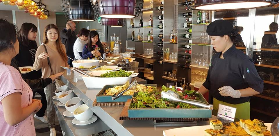 Seoul Restaurants view Korea - le style restaurant buffet