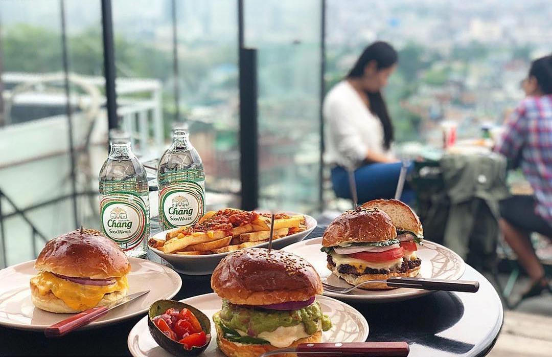 Seoul Restaurants view Korea - the 100 foodtruck 100 burger