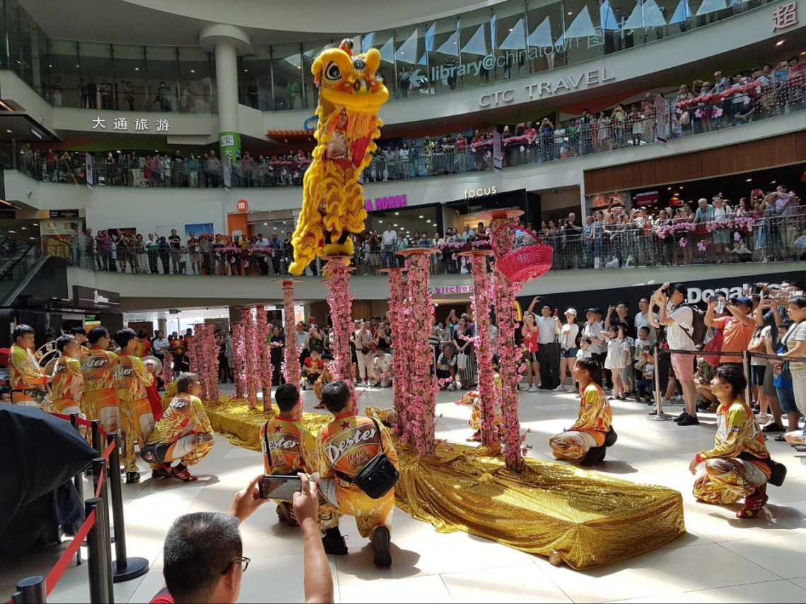 lion dance chinese new year chinatown point