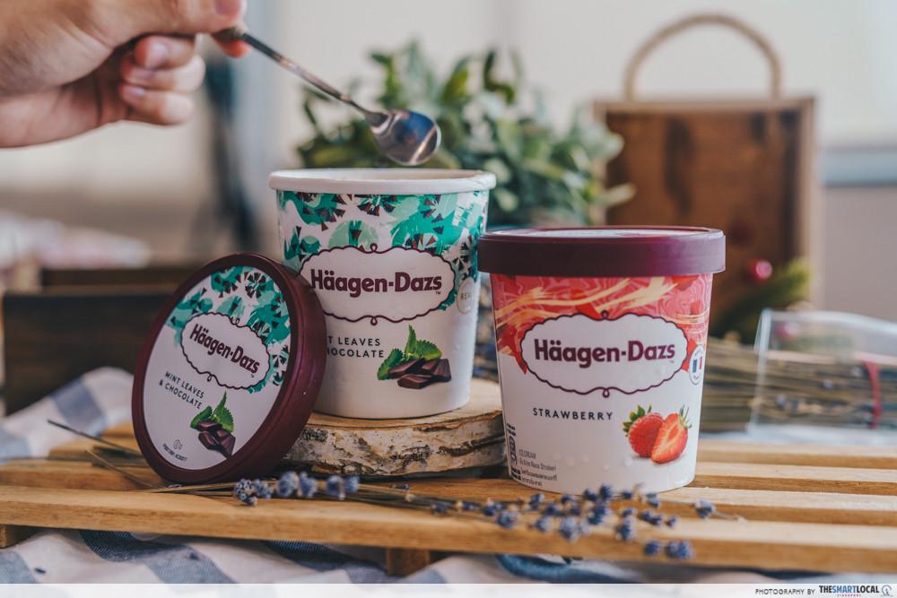 haagen dazs ice cream mint chocolate and strawberry