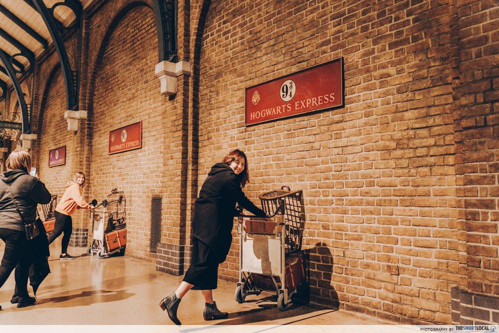 Harry Potter Studio Tour - Platform 9 3/4 and Hogwarts Express