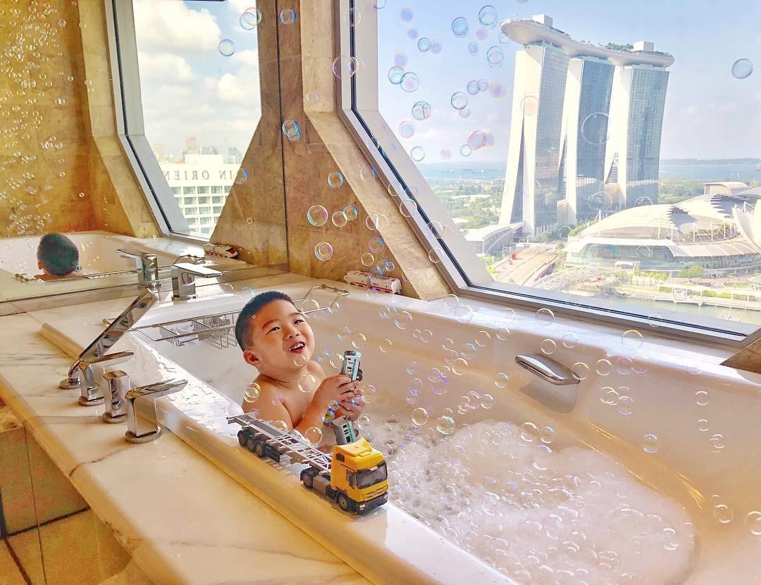 Family staycation - The Ritz-Carlton Millenia Singapore