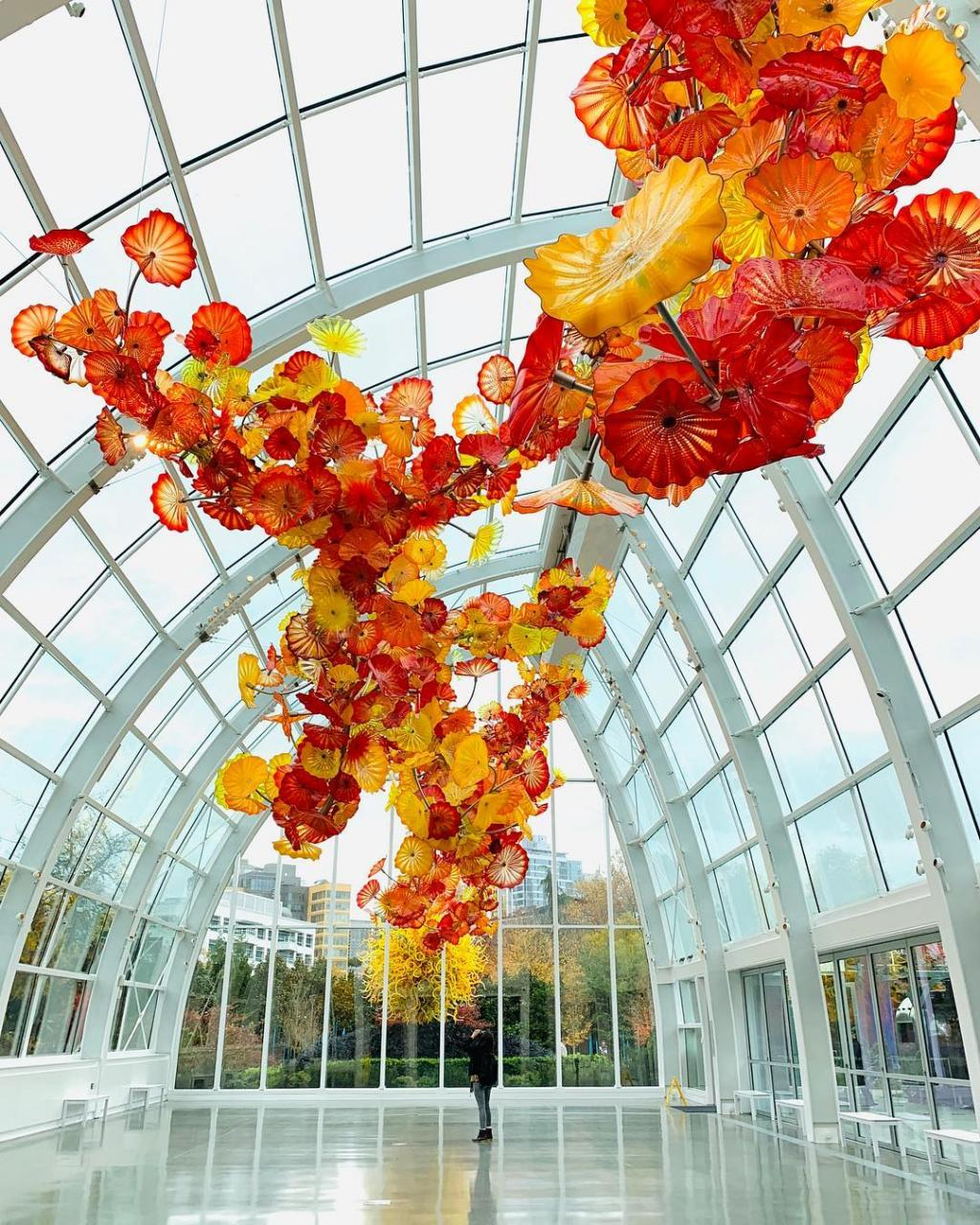 Seattle travel guide SIA - chihuly public garden
