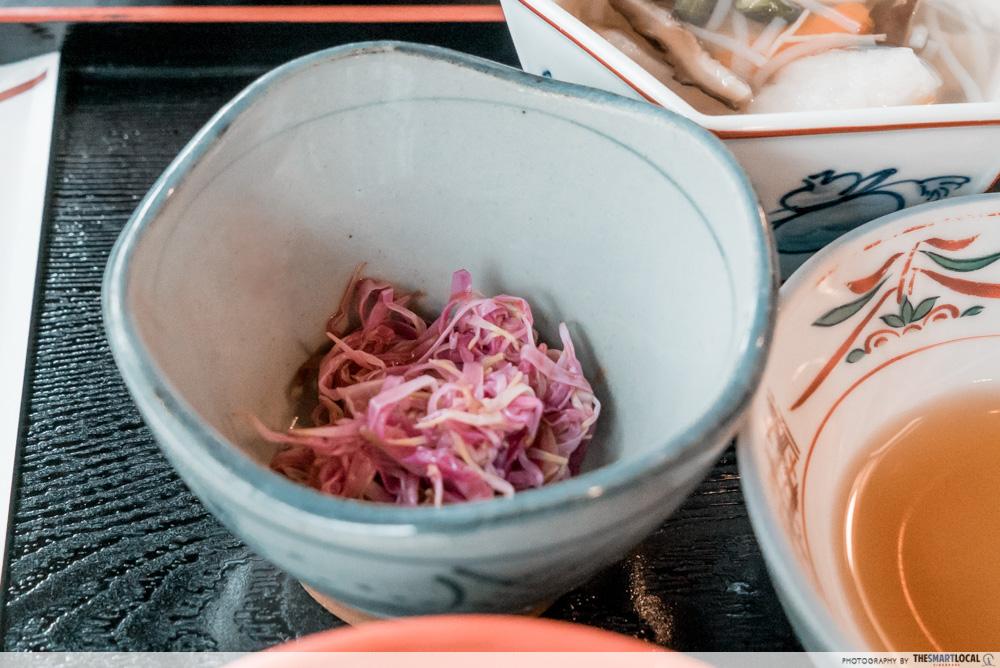 Must-Try dishes in Nigata - Chrysanthemum flowers marinated in vinegari