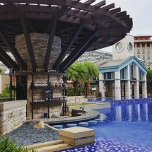 7 Hotels In Singapore With Biggest Swimming Pools