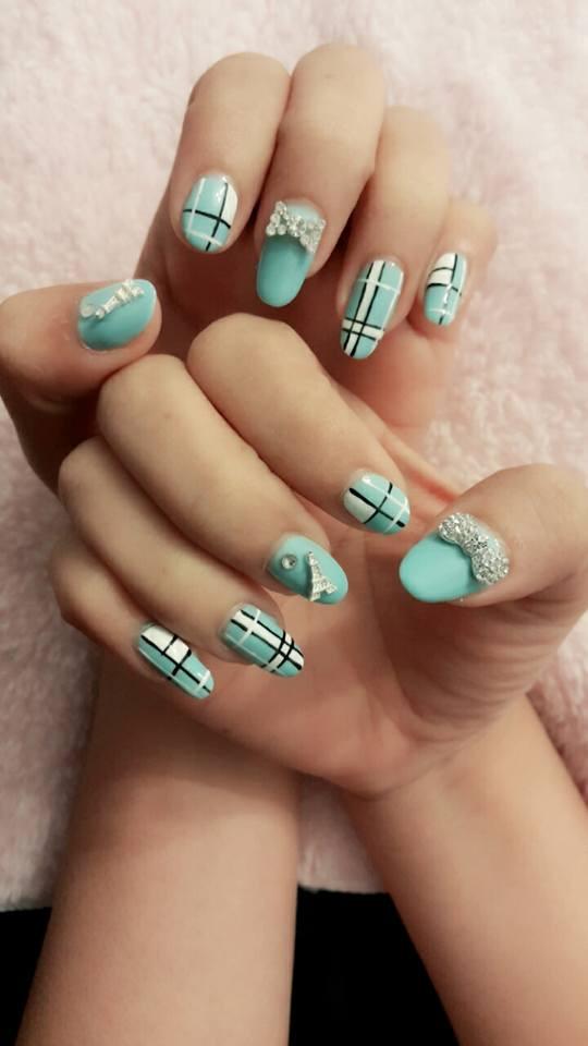 M & Y nails