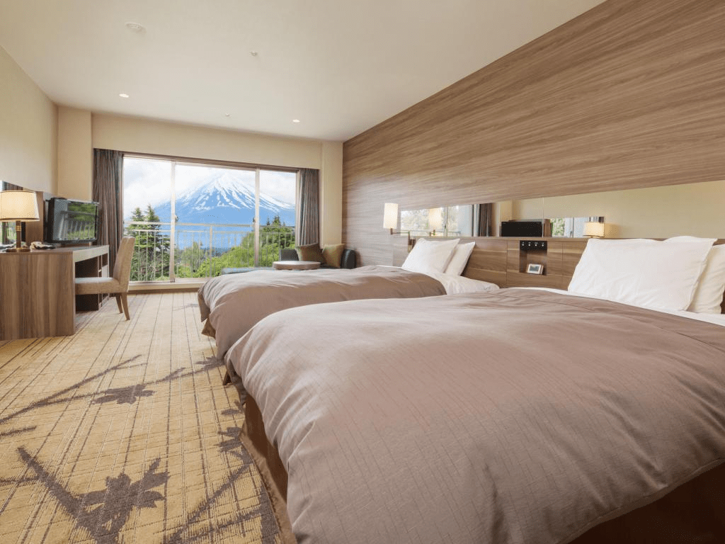 10 Hotels In Japan With Views Of Mount Fuji That Look Straight Out Of A Postcard fuji view hotel room