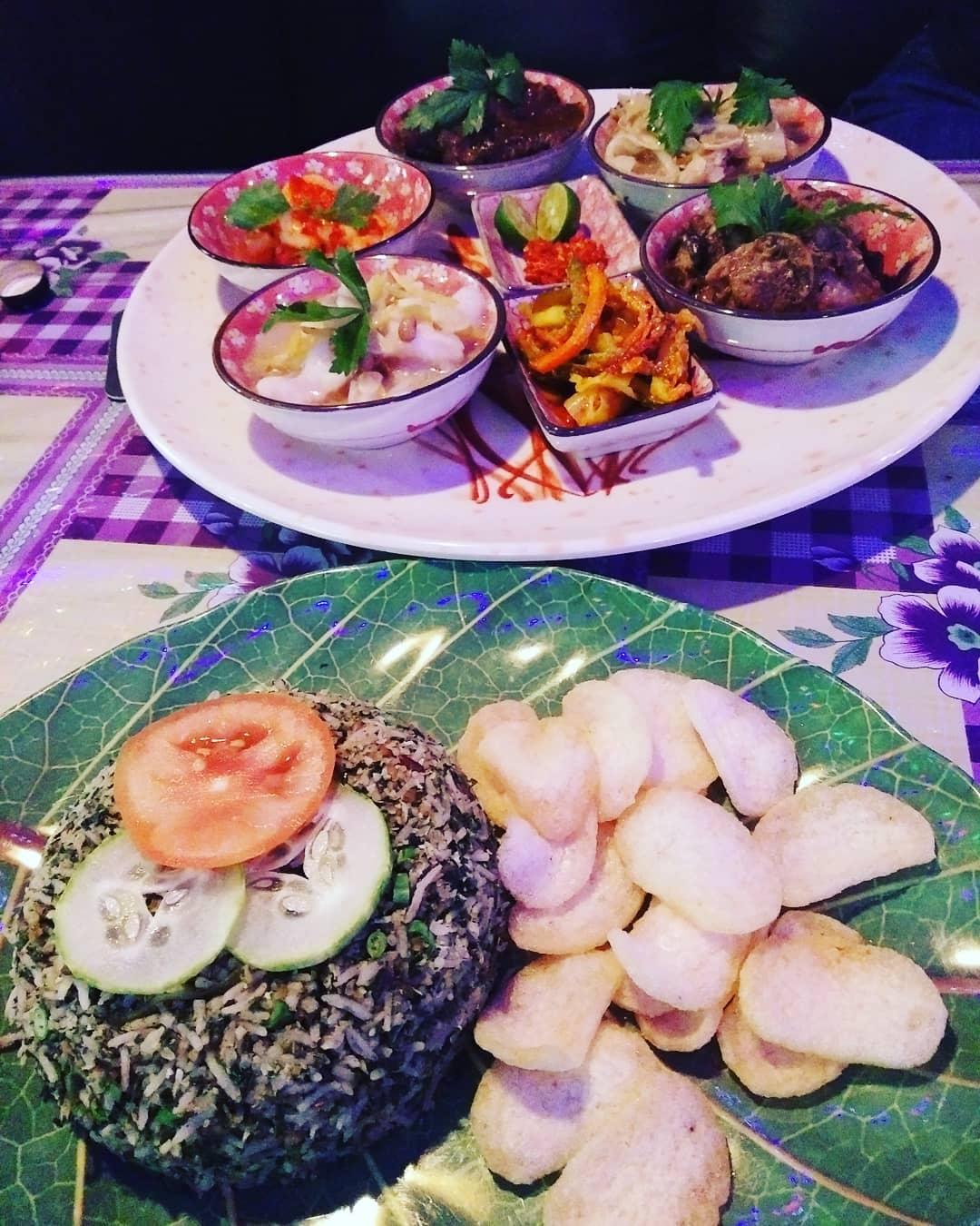 Neighbourhood Cafes Restaurants Singapore Woody Family Cafe Food