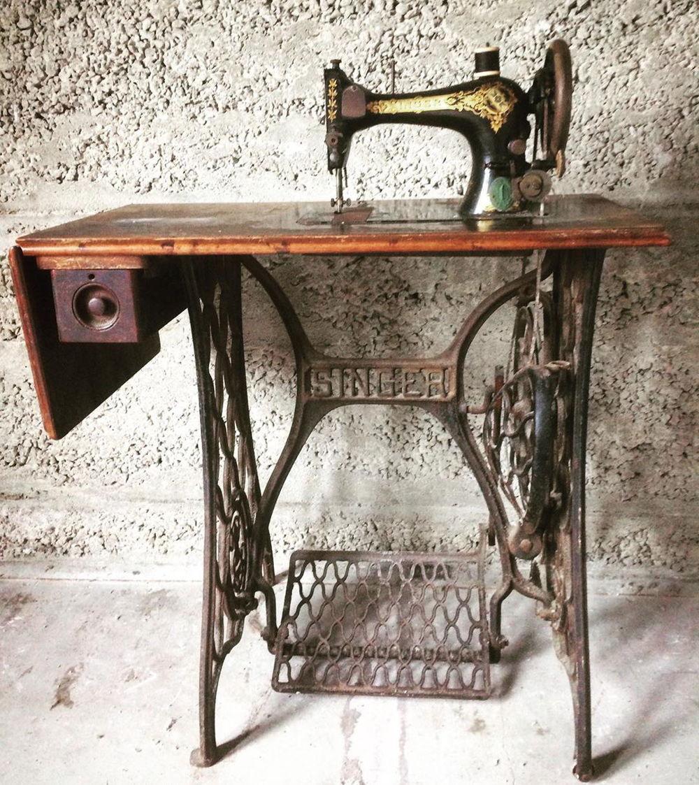 nostalgic items Singer sewing machine