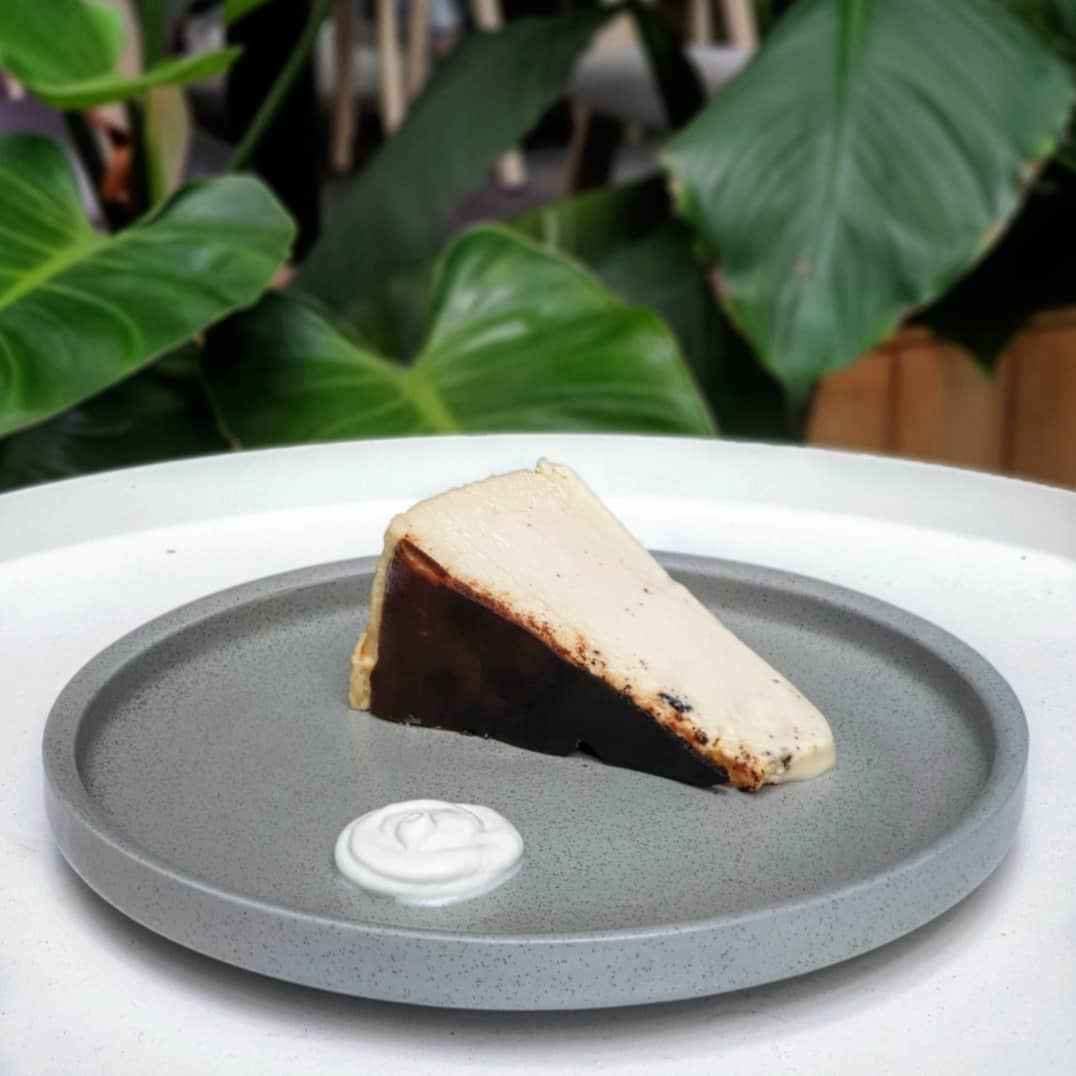 Gift for friends - cheesecake