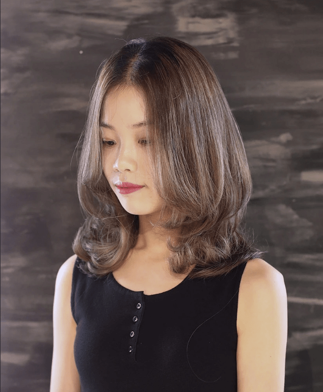 Short hairstyles for girls 2020 - Lob with bottom curls