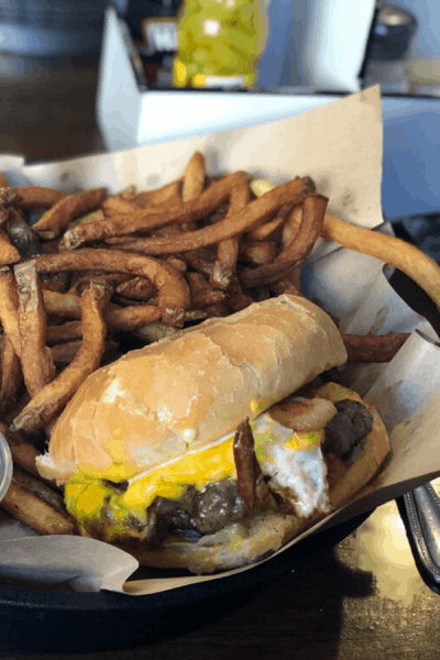 10 Places For Mouth-Watering Burgers in Knoxville That Need to be on Your Bucket List