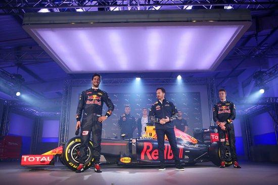 F1-2016-Red-Bull-RB12-Ricciardo-Kvyat2