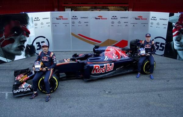 F1-2016-Toro-Rosso-STR11-Verstappen-Sainz
