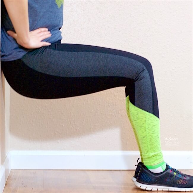 You won't believe the results you can achieve in just 5 minutes a day! This 5-minute Glute Toning Workout is quick, effective, and you can do it anywhere.