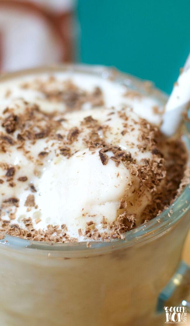 Affogato (Coffee and Ice Cream Dessert)