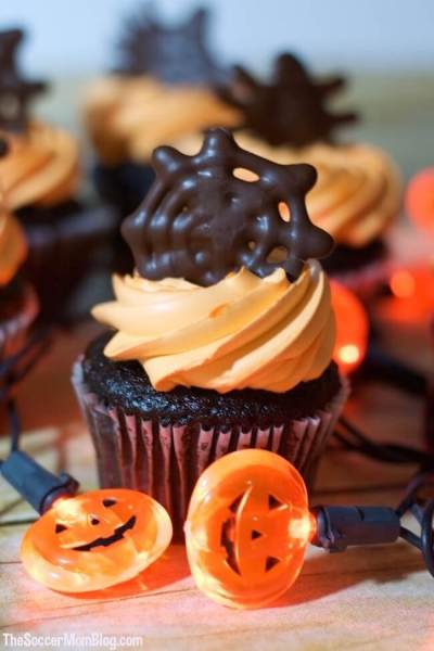 Chocolate Spiderweb Halloween Cupcake Toppers