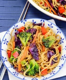Quick & Easy Vegetable Lo Mein (Ready in 15 Minutes)