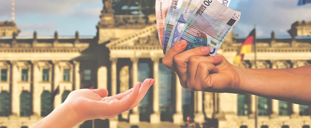 What To Do With Your Leftover Foreign Currency - The Social Media Virgin   A complete guide of what you can do with your currency when you return home from your vacation.   Travel Tips