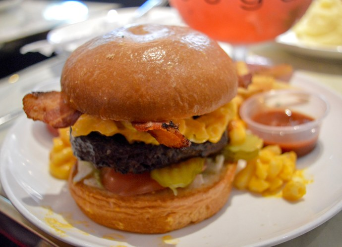 The Big Cheesy at Sugar Factory at Fashion Show Mall | Where's good to eat in Las Vegas | Places to eat on and off the Strip - all budgets | The Social Media Virgin Lifestyle & Travel Blog