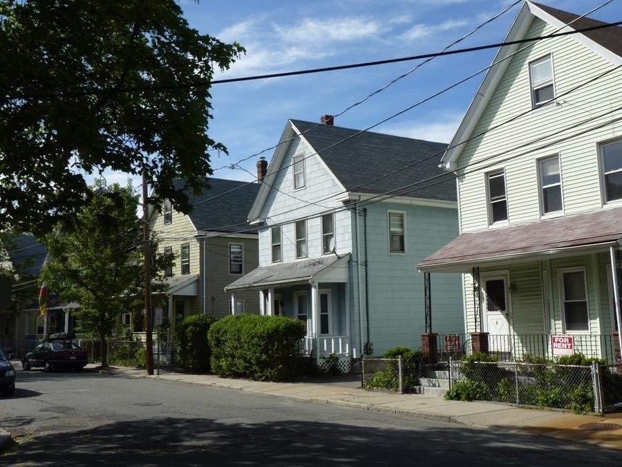 Somerville s hot real estate market the somerville news for Hot real estate markets