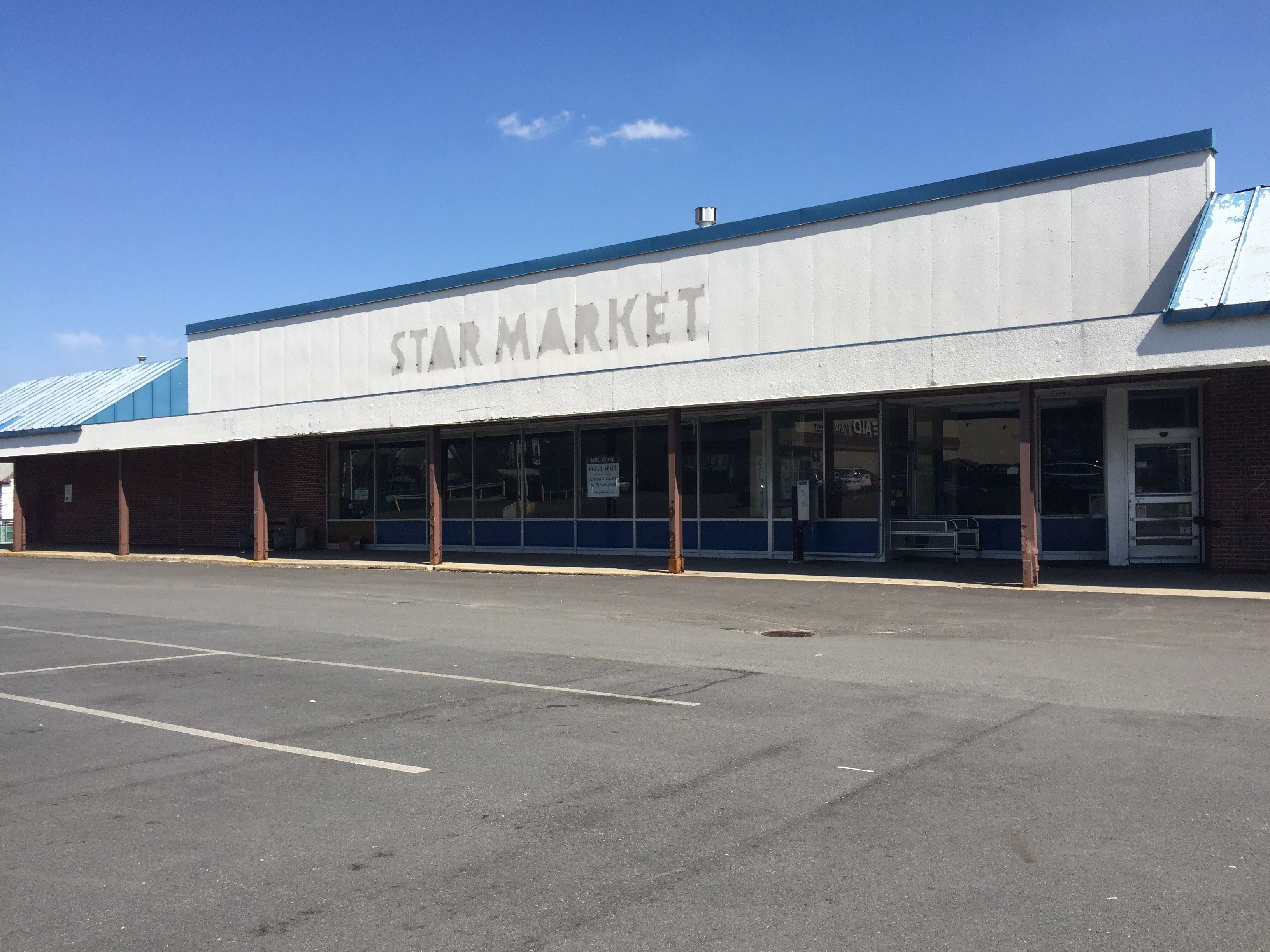 Somerville Meeting Future of Vacant Star Market Site at 299