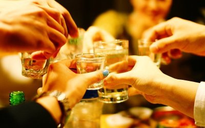 Korean Drinking Etiquette: A Guide