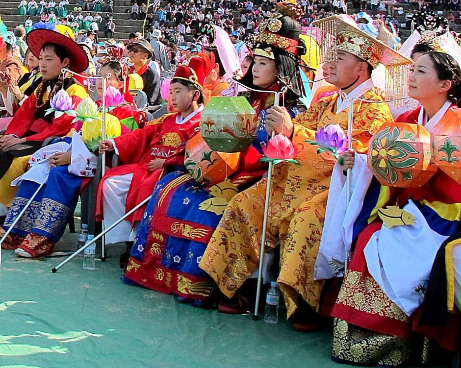 Seoul, Korea: Lotus Lantern Festival 2013, Eoulim Madang Traditional Hanbok