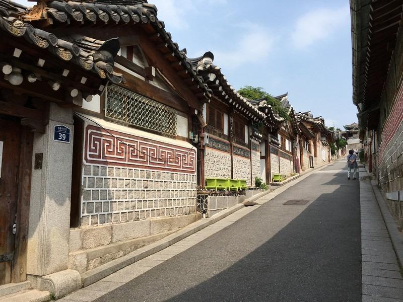 Bukchon Hanok Alley, Jongno, Seoul, Korea
