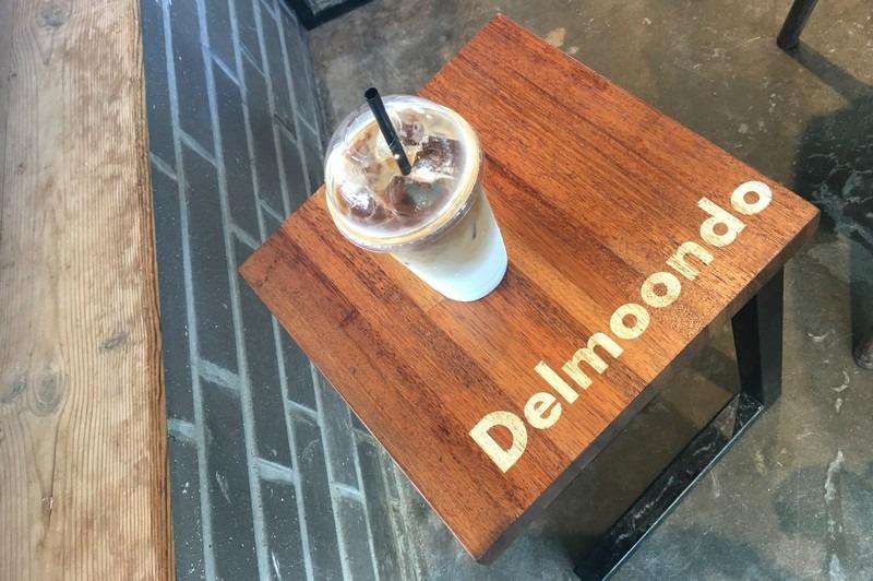 Cafe Delmoondo, Hamdeok Beach, Jeju, Korea