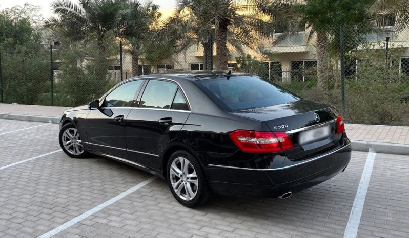 Mercedes Benz E-300 Avantgrade full
