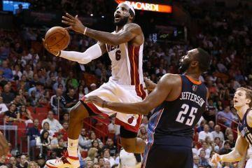 LeBron James, Bobcats, Heat, 61, NBA
