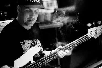 Mike Dean Questions Why Rappers Drop Diss Tracks Prior To Album Releases