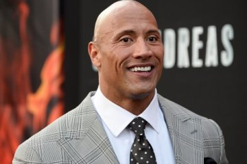 """Dwayne """"The Rock"""" Johnson to Receive Star on Hollywood Walk of Fame"""