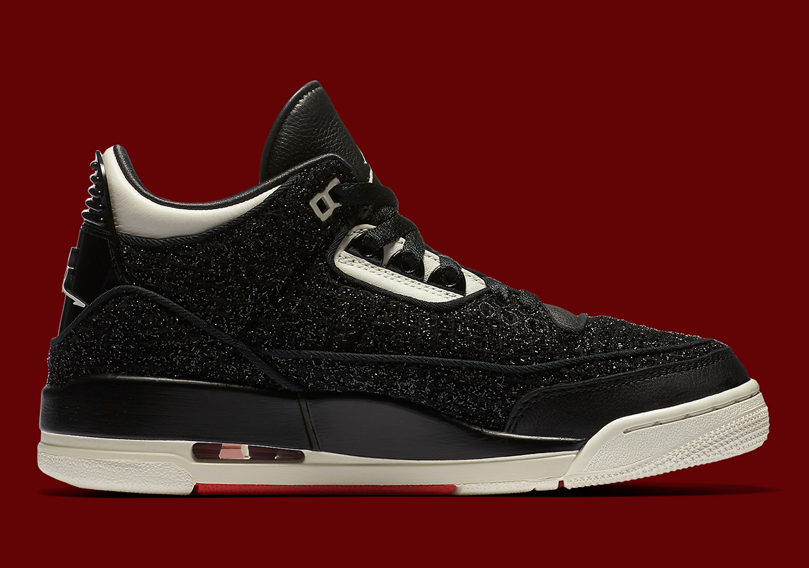 """2b72ccce4be24 Other standouts include a branded """"Edited By Vogue"""" hangtag and the  official signature on the heel in place of a Jumpman or Swoosh."""