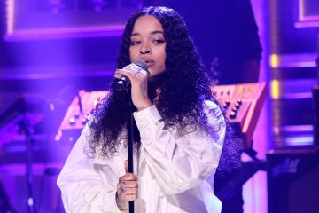 Ella Mai Performs 'Trip' on 'The Tonight Show'