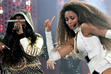 Missy Elliott Joins Ciara to Perform 'Level Up (Remix)' at American Music Awards