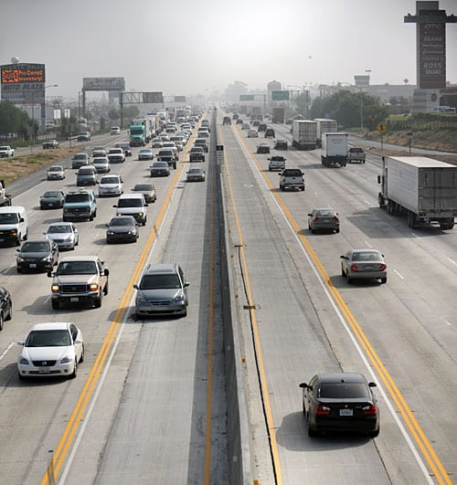 HOV lanes stretch 11.5 miles in both directions of the Pomona Freeway (SR-60) between the Orange Freeway (SR-57) and the San Gabriel River Freeway (I-605). Photo by Juan Ocampo.
