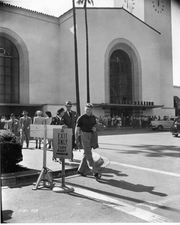 Behind-the-scenes photograph during the filming of Criss Cross, from 1949. A prominent scene was filmed at Union Station, using both interior and exterior shots. Courtesy of Universal Studios Licensing LLC.