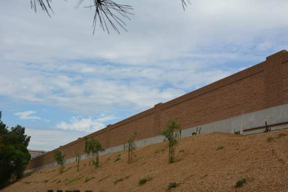 New SR-134 Sound Wall in the City of Burbank