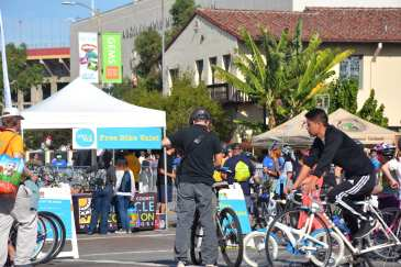 Near Exposition Park at CicLAvia South L.A. (Photo: Joseph Lemon/Metro)