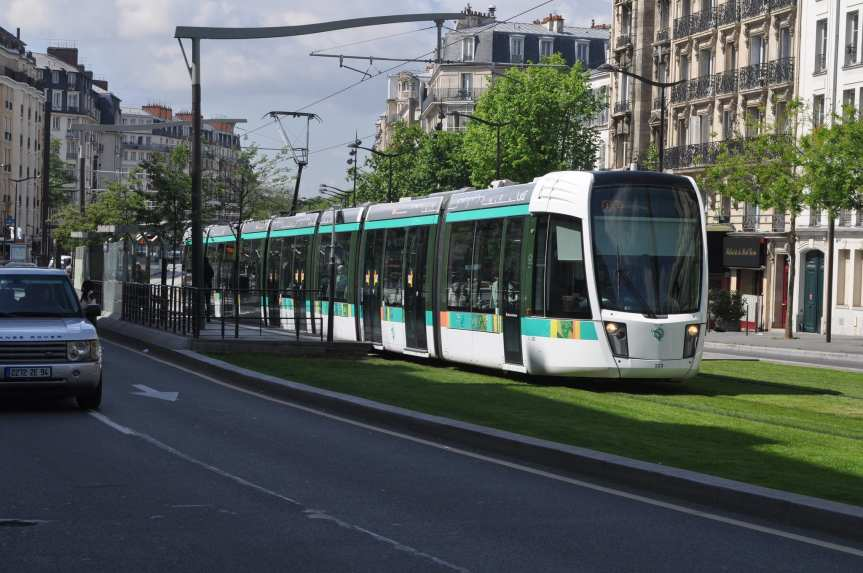 A Paris tram. Photo by Phil Beard, via Flickr creative commons.