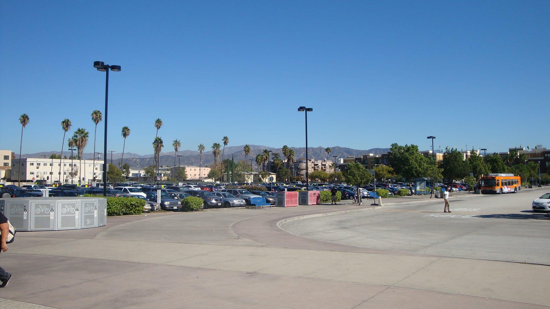 free parking universal studios los angeles