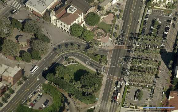 Aerial view of the intersection of Los Angeles Street (at left) and Alameda Street in front of Union Station.