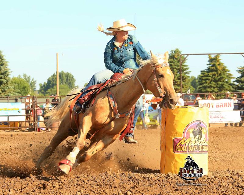 Cowboy Christmas, The South Dakota Cowgirl, Mandan, ND Pro Rodeo